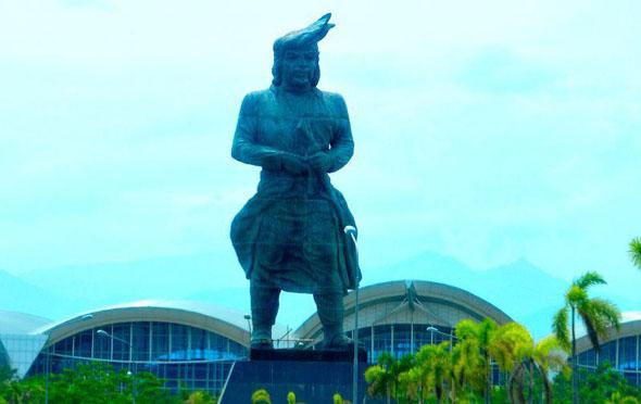 patung sultan hasanuddin