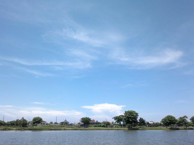 biru langit putih awan