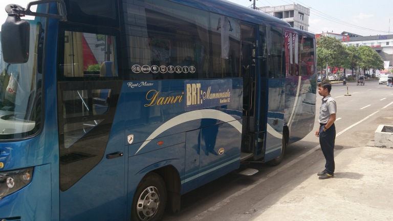 Bus Trans Mamminasata